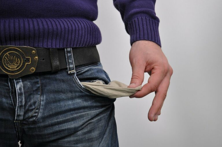 V Česku evidují dlužníky tři registry